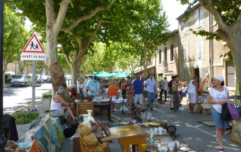 Location de vacances - Appartement à Lagrasse - Brocante à Lagrasse. Une fois par mois, de mai à septembre