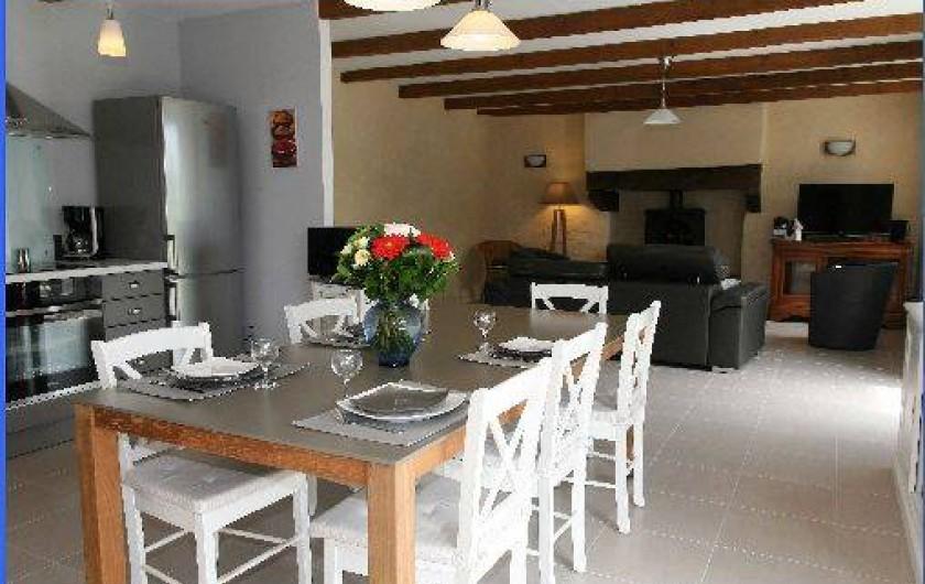 Location de vacances - Gîte à Plonéour-Lanvern - La salle à manger