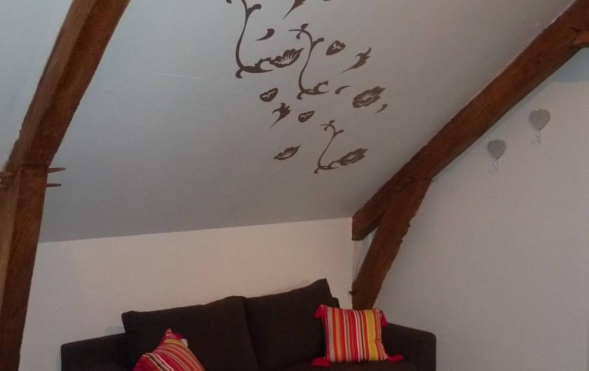 Location de vacances - Chambre d'hôtes à Les Iffs - le canapé lit convertible  de la chambre baroque
