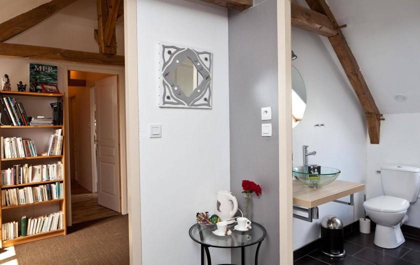 Location de vacances - Chambre d'hôtes à Les Iffs - entrée de la chambre baroque