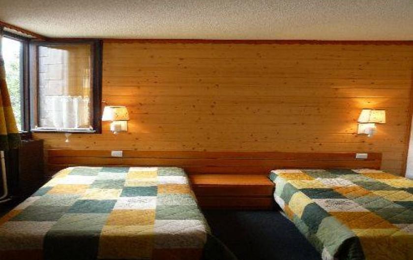 Location de vacances - Appartement à Les Menuires - Chambre : lits séparés