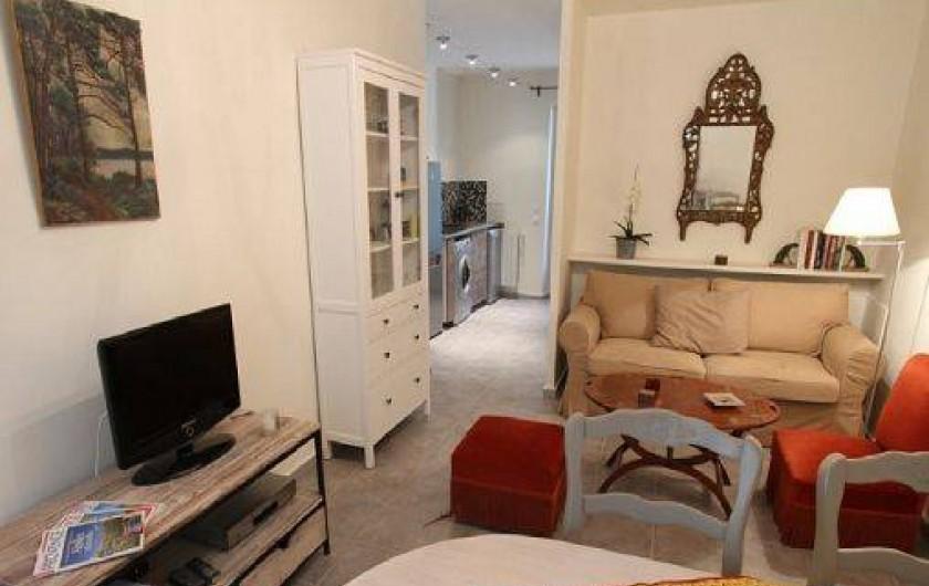 Location de vacances - Mas à Saint-Rémy-de-Provence - Salon coin  TV