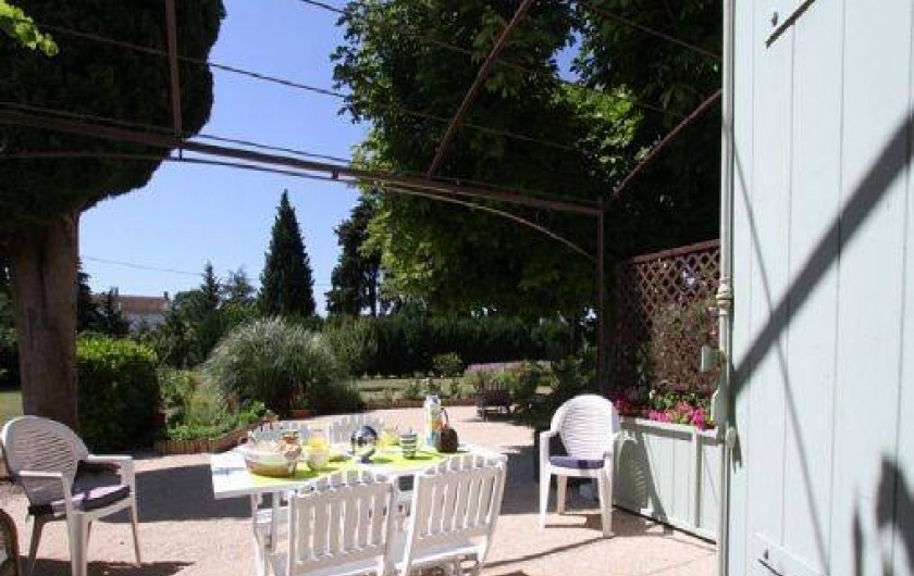 Location de vacances - Mas à Saint-Rémy-de-Provence - Terrasse pour petits déjeuner