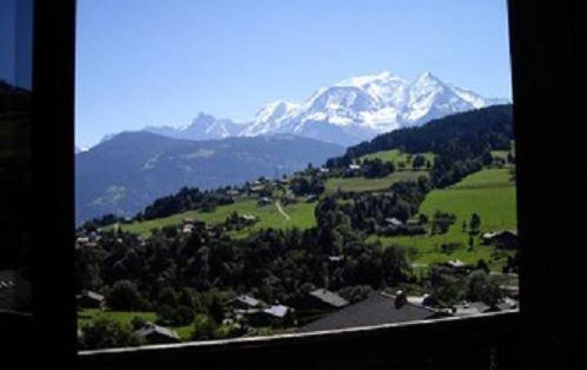 Location de vacances - Appartement à Combloux - Vue du Mt Blanc depuis le petit balcon