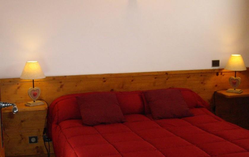 Location de vacances - Appartement à Combloux - Chambre 2 il y a une 3ème chambre avec 2 lits de 80 cm