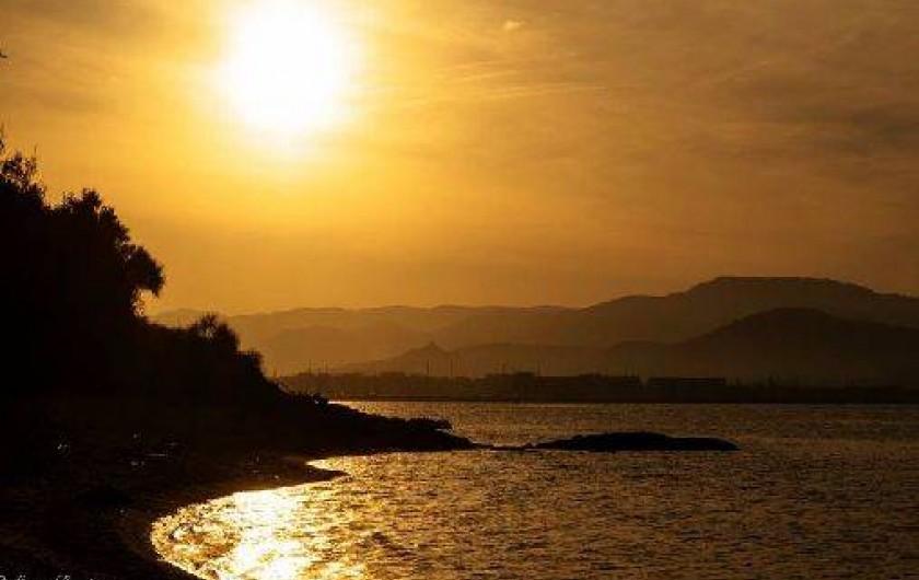 Location de vacances - Appartement à Gassin - Au coucher du soleil