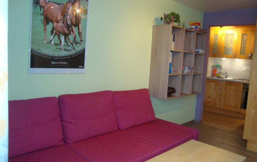 Location de vacances - Appartement à Les Breuleux - séjour avec canapé-lit