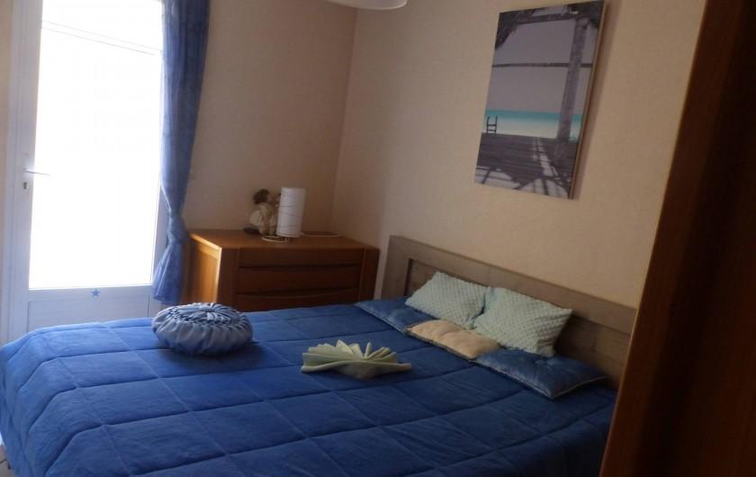Location de vacances - Villa à Solliès-Toucas - LA CHAMBRE BLEUE 1 LIT DE 160 ET 1 ARMOIRE , UNE COMMODE.