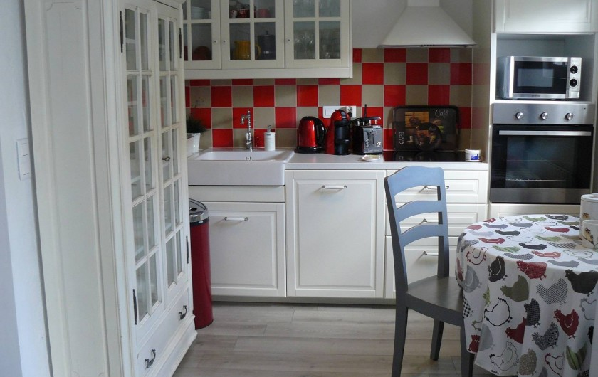 Location de vacances - Villa à Arsac - Une cuisine entièrement équipé pour concocter de petits plat Médocain