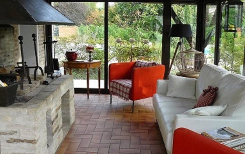 Location de vacances - Villa à Arsac - Un salon détente avec son Wifi gratuit