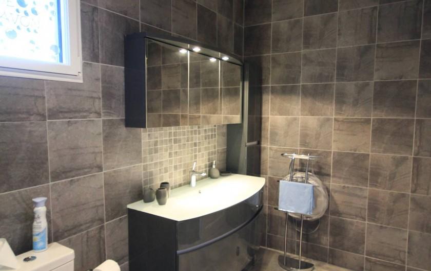 Location de vacances - Gîte à Saint-Martin-aux-Buneaux - Salle de douche
