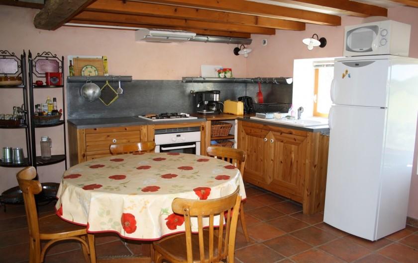 Location de vacances - Gîte à Vaunaveys-la-Rochette - Le coin cuisine/salle à manger