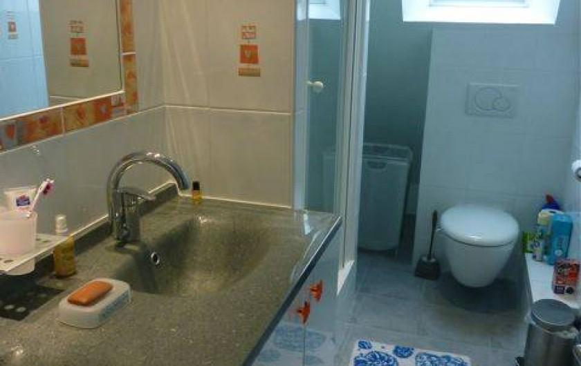 Location de vacances - Villa à Gâvres - salle d'eau douche+ WC