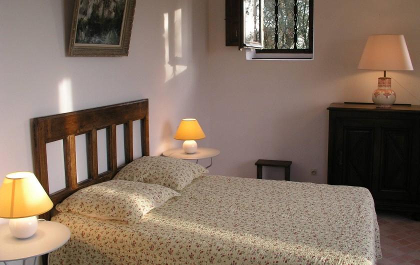 Location de vacances - Maison - Villa à Bézenac - La chambre de la petite maison