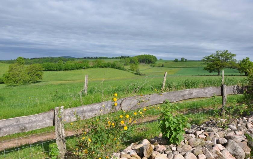 Location de vacances - Gîte à Saint-Eugène - Point de vue depuis l'arrivée dans le parking