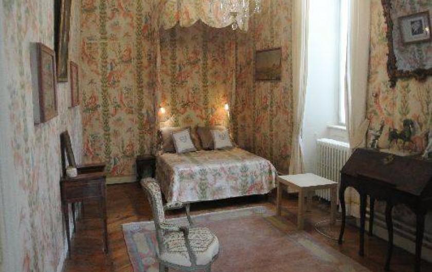 suite d 39 h tes dans un bel h tel particulier au puy en velay le puy en velay. Black Bedroom Furniture Sets. Home Design Ideas