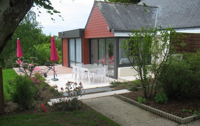 Location de vacances - Gîte à Clohars-Carnoët - Vues extérieure  et terrasse N°6  6/8 pers