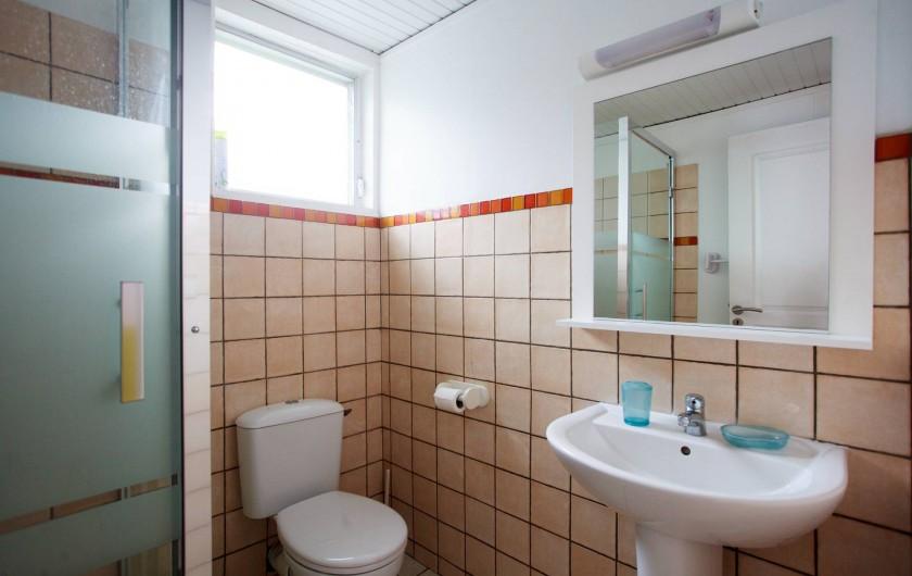 Location de vacances - Appartement à Le Diamant - salle d'eau -bungalow