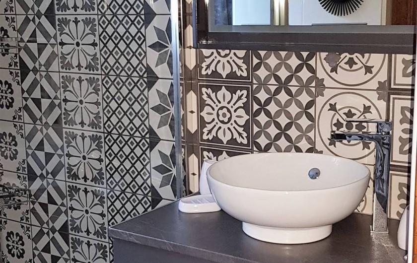 Location de vacances - Gîte à Mayran - Salle de bain rénovée en 2019 meuble vasque