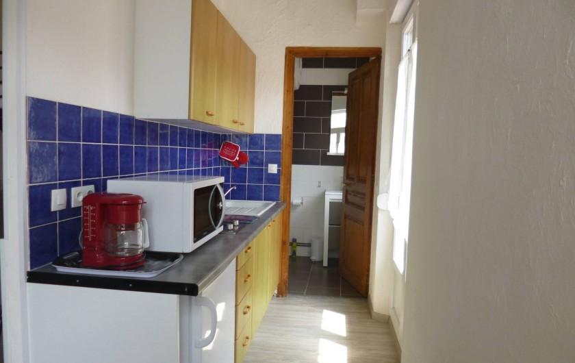 Location de vacances - Studio à Berck - coin cuisine four multi-fonction, cafetière