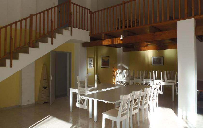 """Location de vacances - Appartement à Le Sambuc - GITE  N°  1     """"LES LAURIERS ROSES"""" 14 PERSONNES"""
