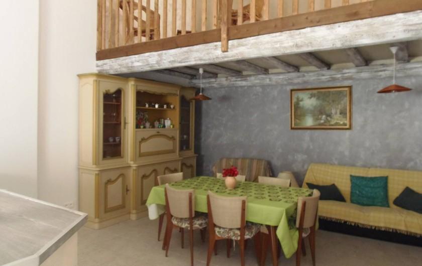 """Location de vacances - Appartement à Le Sambuc - GITE N° 7   6 PERSONNES  """"LES PIBOULES"""""""