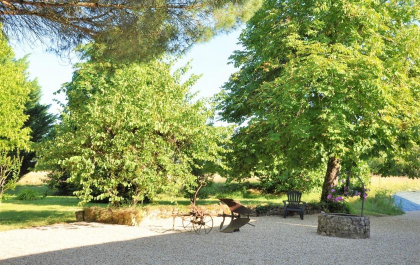 Location de vacances - Chambre d'hôtes à Margueron - Le parc