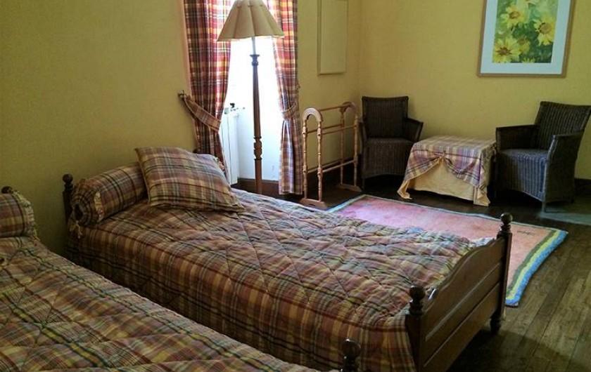 Location de vacances - Chambre d'hôtes à Douchapt - Chambre Tournesol