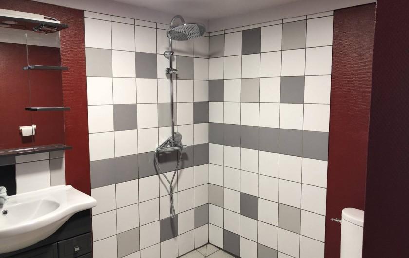 Location de vacances - Camping à Lincou - salle de bain Paris