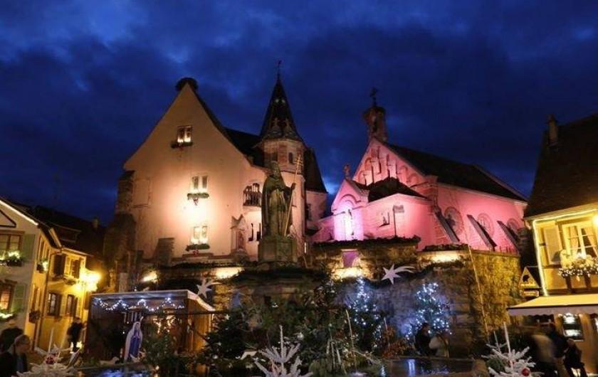 Location de vacances - Mas à Eguisheim - place du château en hiver dans le village