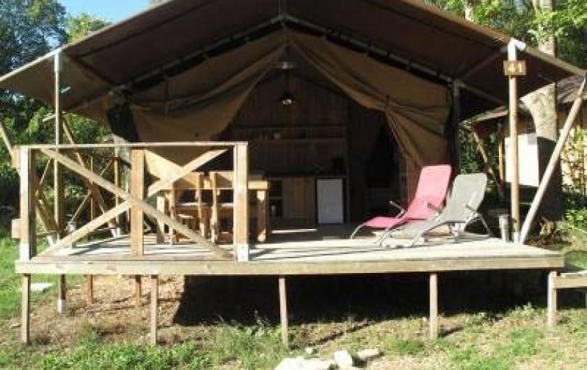 Location de vacances - Camping à Piégros-la-Clastre - Tente Lodge équipée pour 5 pers en bord de Drôme au camping Les Chamberts.