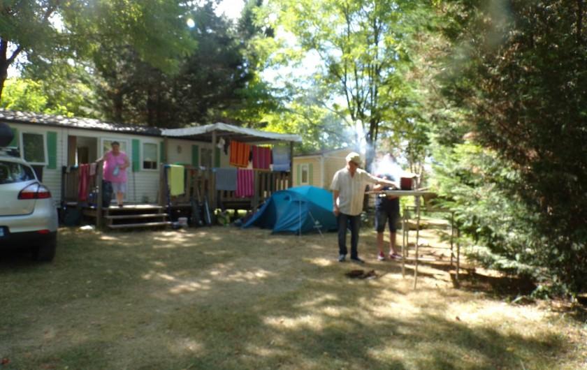 Location de vacances - Bungalow - Mobilhome à La Cassagne - emplacement de mobil-home