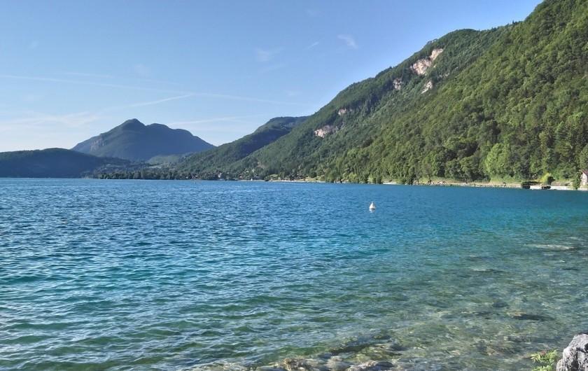 Location de vacances - Appartement à Faverges - Lac d'Annecy, ses montagnes et son eau pure