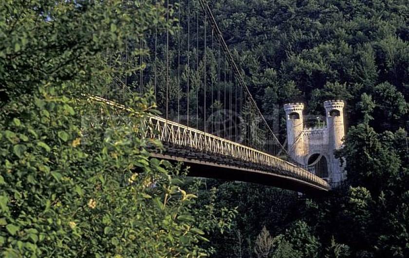 Location de vacances - Appartement à Faverges - Le pont de la Caille site historique