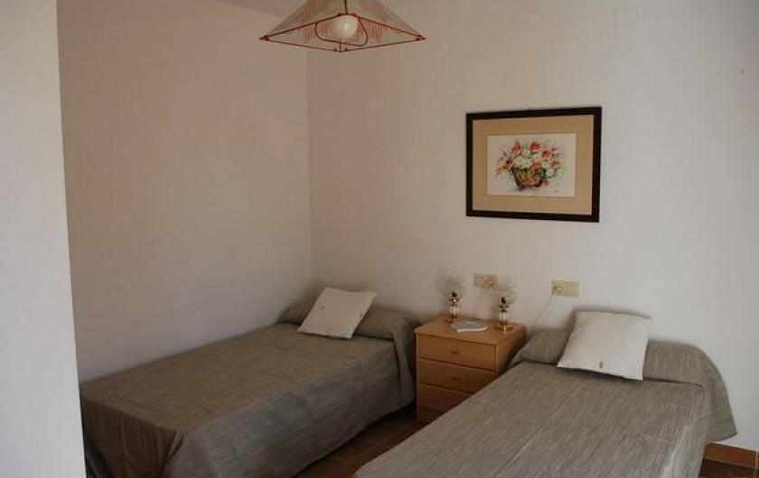 Location de vacances - Villa à L'Ametlla de Mar - Chambre avec deux lits simples
