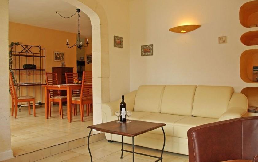 """Location de vacances - Villa à Maubec - chambre """"Lavande"""""""