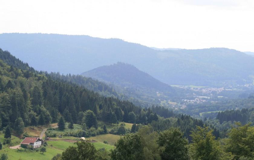 Location de vacances - Gîte à Sapois - Le gîte est en bas à gauche.