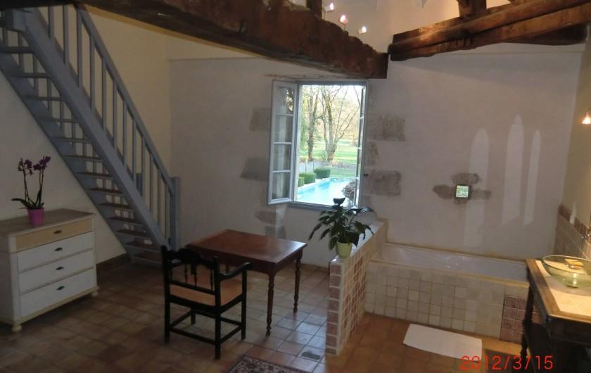 Location de vacances - Maison - Villa à Fourcès - Salle de bain ouverte/chambre1