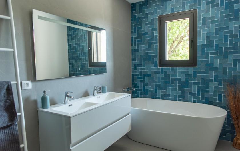 Location de vacances - Villa à Callian - Salle de bain