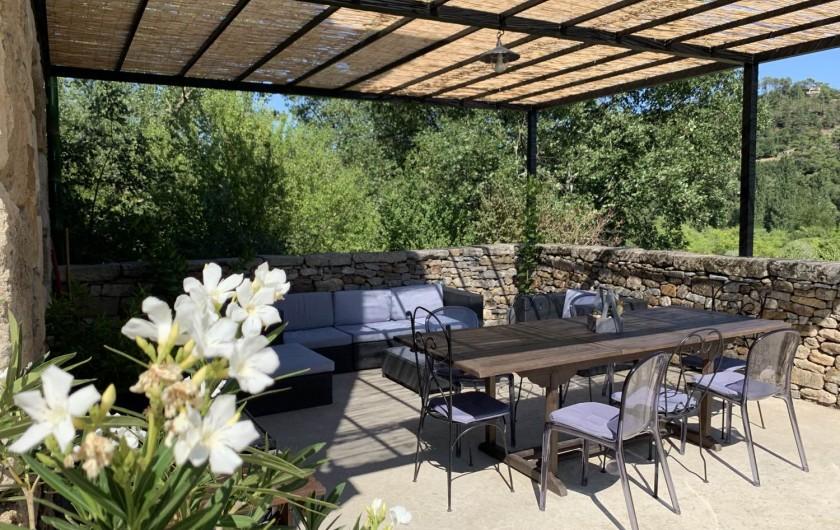 Location de vacances - Mas à Mercuer - À table (dehors)