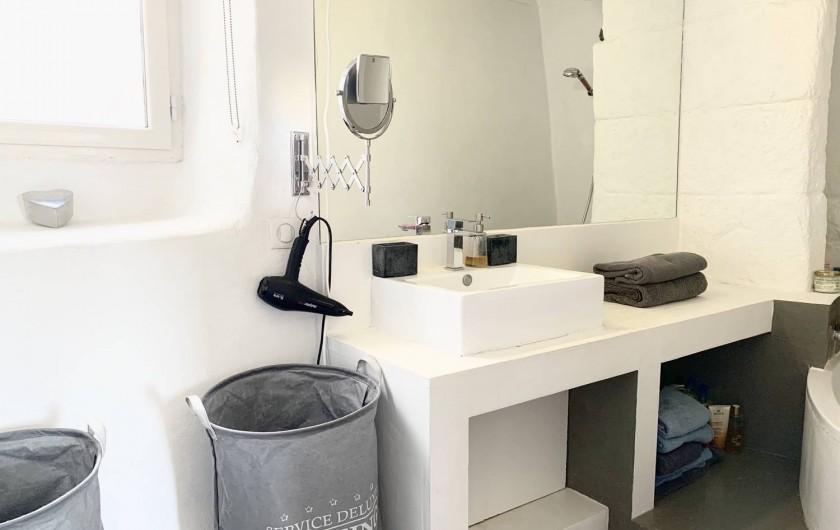 Location de vacances - Mas à Mercuer - Salle de bain de la suite parentale