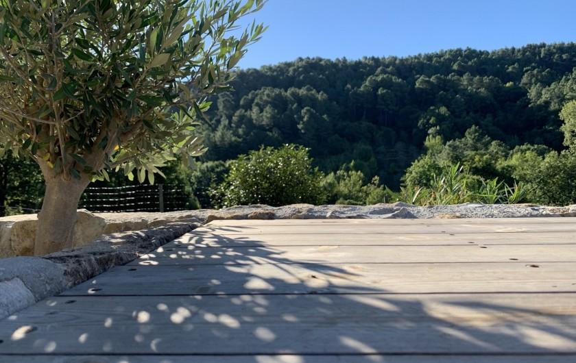 Location de vacances - Mas à Mercuer - Le coin repas extérieur
