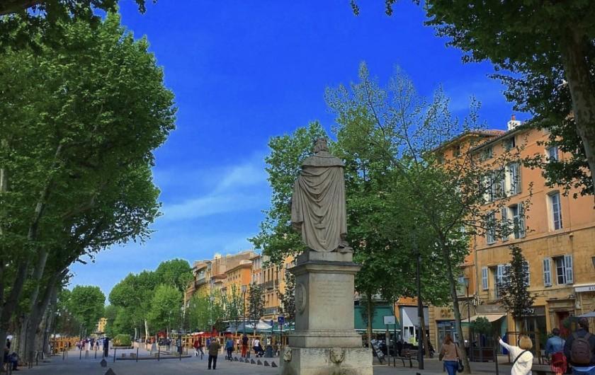 Location de vacances - Mas à Villelaure - Le cours Mirabeau à Aix en Provence (à 35 mn de la ferme)