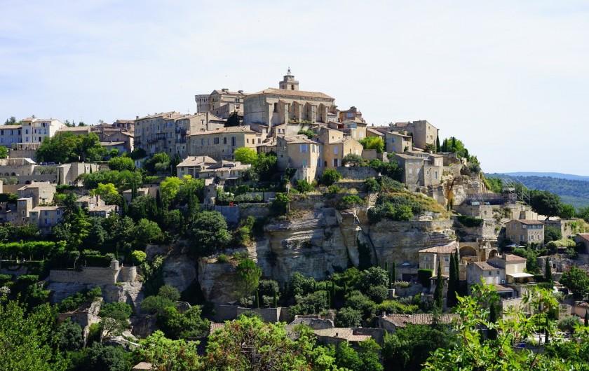 Location de vacances - Mas à Villelaure - Château de Gordes (1 heure de route de la ferme)
