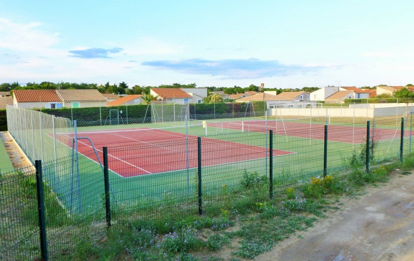 Location de vacances - Maison - Villa à Vic-la-Gardiole - courts de tennis