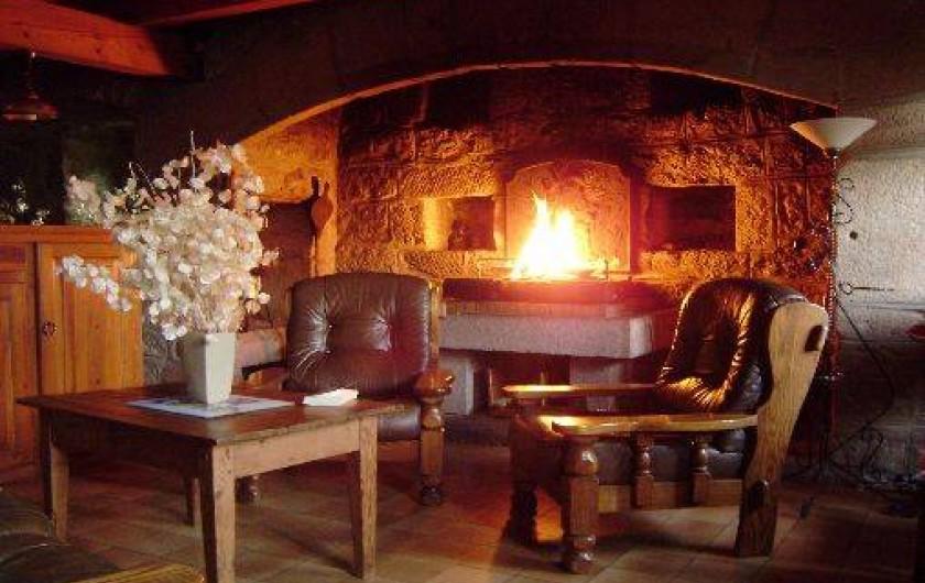 Location de vacances - Gîte à La Panouse - Soirée au coin du feu