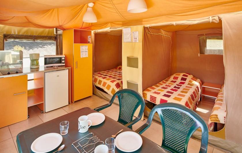 Location de vacances - Camping à Biarritz - Intérieur Bungalows toilés - Biarritz Camping