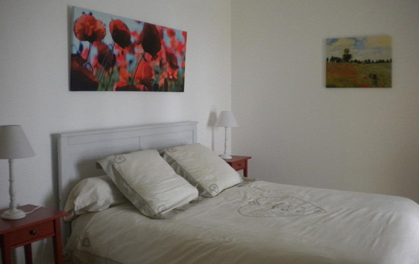 Location de vacances - Chambre d'hôtes à Saissac - la chambre coquelicot