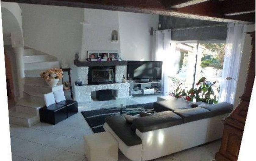 Location de vacances - Villa à La Cadière-d'Azur - SALON ((téléviseur Led 140cm)
