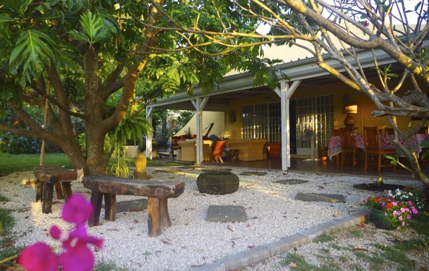 Location de vacances - Villa à Pereybere - Le coin zen devant la véranda